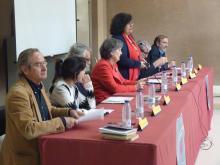 Mesa redonda en el Instituto